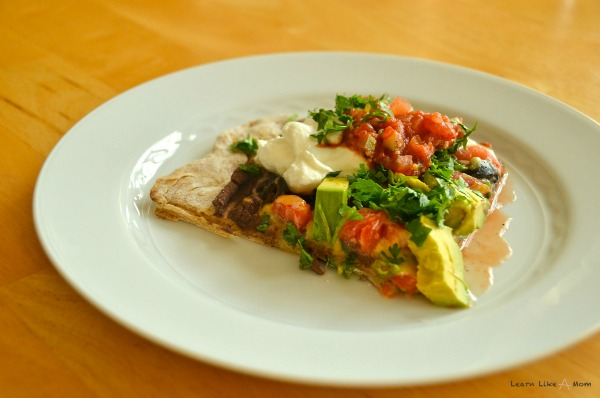 Tex Mex Pizza from Learn Like A Mom! http://learnlikeamom.com/recipes/tex-mex-pizza/