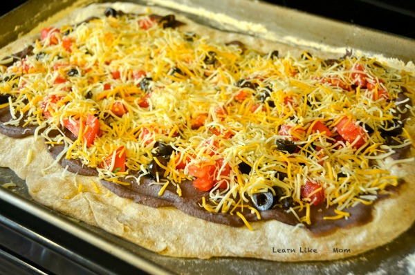 Cook these toppings on the Tex Mex Pizza from Learn Like A Mom! http://learnlikeamom.com/recipes/tex-mex-pizza/