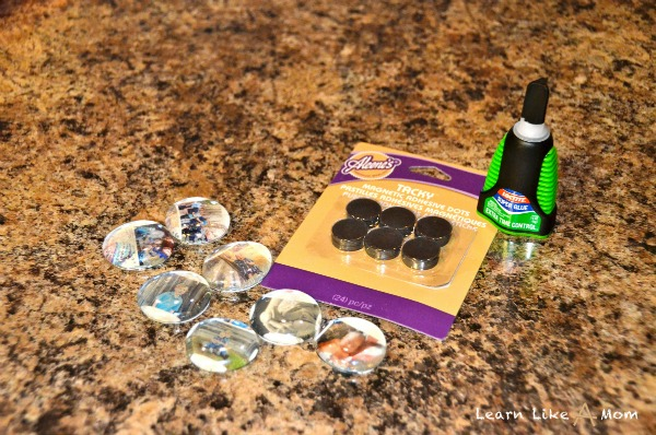Photo Magnets Using Shutterfly Negative Sheets! from Learn Like A Mom! http://learnlikeamom.com/creative-corner/diy/photo-magnets/ ? #diy #photos #magnets #homedecor