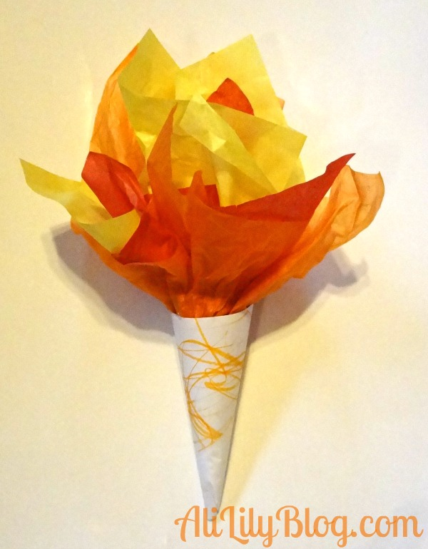 AliLily Blog: Tissue Paper Torch! http://www.alililyblog.com/2012/07/25-olympic-crafts-for-kids-starring-alice-marie.html