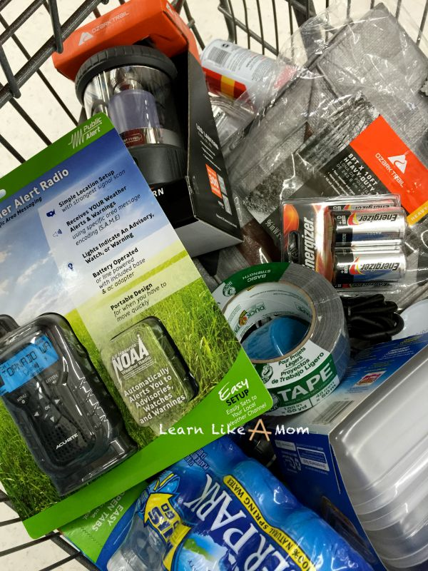 Make an Emergency Kit and save money while doing so! from Learn Like A Mom! http://learnlikeamom.com/hurricane-emergency-kit/